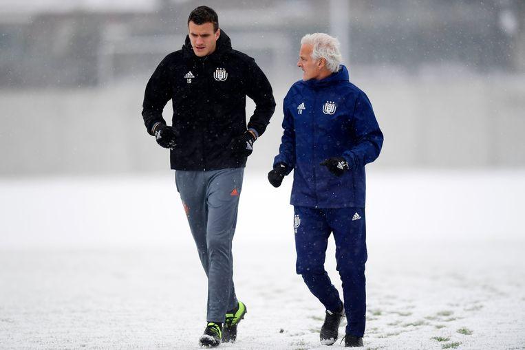 """Eerder deze week: de spits en zijn coach in de sneeuw. """"Ik ben er zeker van dat Rutten ons zal helpen"""", aldus Santini."""