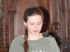 Neerloonse Julia wint gedichtenwedstrijd in Ravenstein