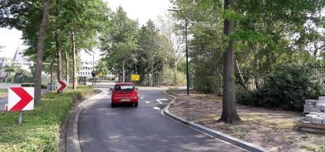 Gemeente en Efteling gaan vertrekkers vanaf parkeerterreinen beter begeleiden
