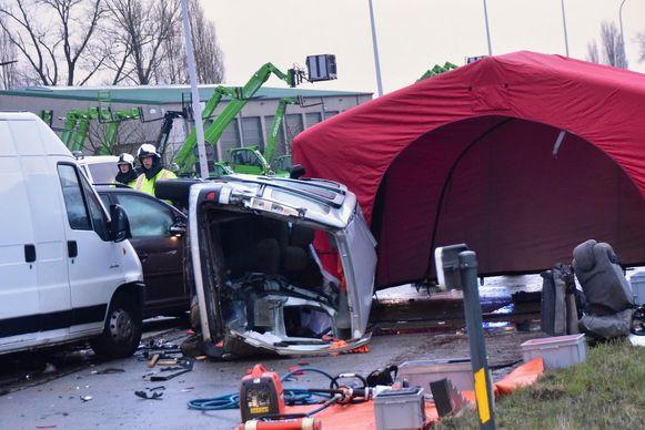 Het verkeersongeval in Lendelede eist een zware tol.