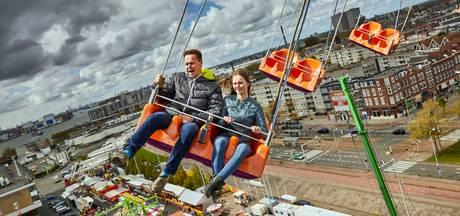 60 meter zweven boven Rotterdam op Koningskermis Schiehaven