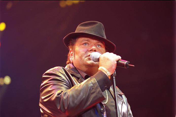 Nederland's bekendste zanger van het levenslied overleed ruim 14 jaar geleden.