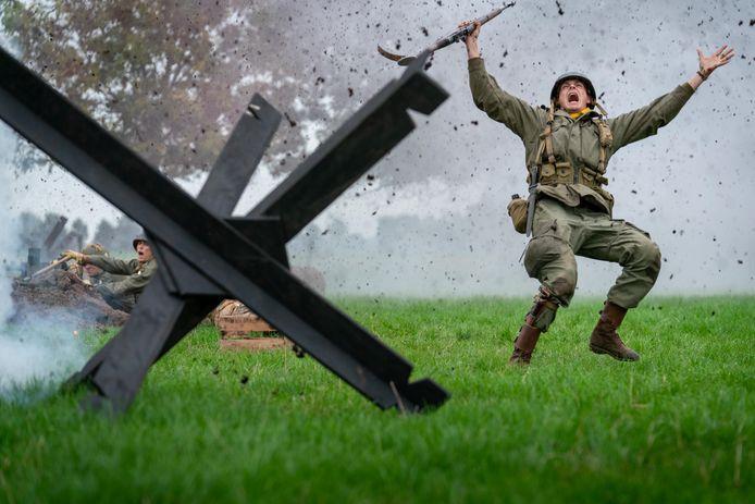 De Slag om de Betuwe wordt levensecht nagespeeld.