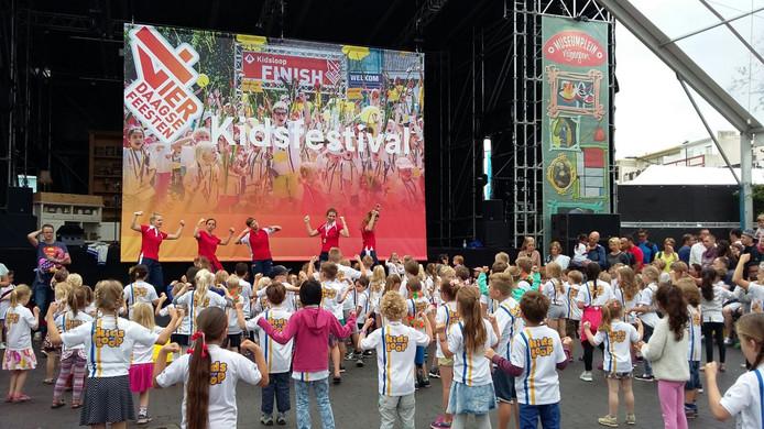 De kinderen op het Kidsfestival.