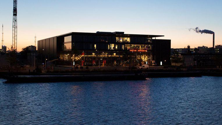 Theater Amsterdam in de Houthavens werd speciaal gebouwd voor toneelvoorstelling Anne, over Anne Frank Beeld Elmer van der Marel