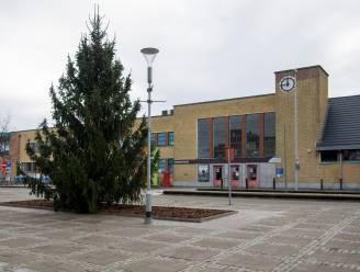 Dit jaar niet alleen kerstboom voor Grote Markt, maar ook voor stationsplein