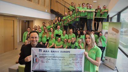 Studenten verpleegkunde zamelen 2.222 euro in voor 'Rode Neuzen'