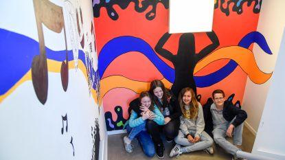 Leerlingen Academie beschilderen muren Den Appel