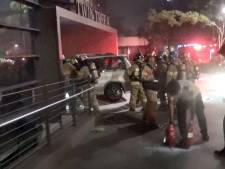 Zuid-Koreaan (78) steekt auto en zichzelf in brand voor Japanse ambassade