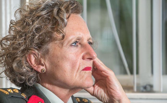 Liesbeth Horstman, zij is luitenant-kolonel en werkt als militair psycholoog bij een afdeling van de MGGZ (Militaire Geestelijke Gezondheidszorg) in Zwolle.