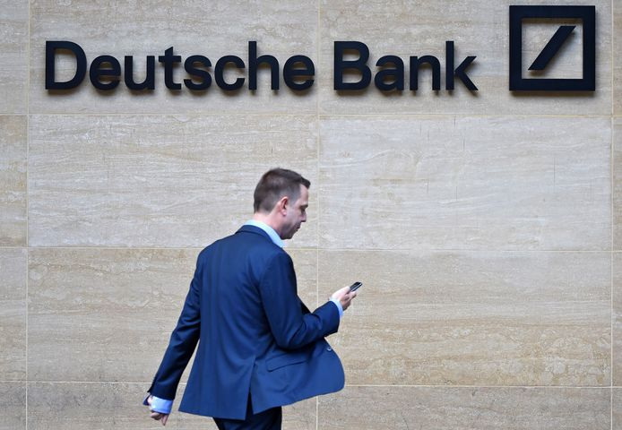 epa07680337 (FILE) - A man walks past by the British headquarters of the German Deutsche Bank in London, Britain, 30 September 2016 (reissued 28 June 2019). According to reports from 28 June 2019, German bank Deutsche Bank in considering to cut some 15,000 to 20,000 jobs globally, which would equal about 15 percent of the employees.  EPA/FACUNDO ARRIZABALAGA *** Local Caption *** 55157953