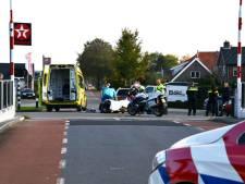 Auto en fietser botsen met elkaar in Beerzerveld: fietser met letsel naar het ziekenhuis