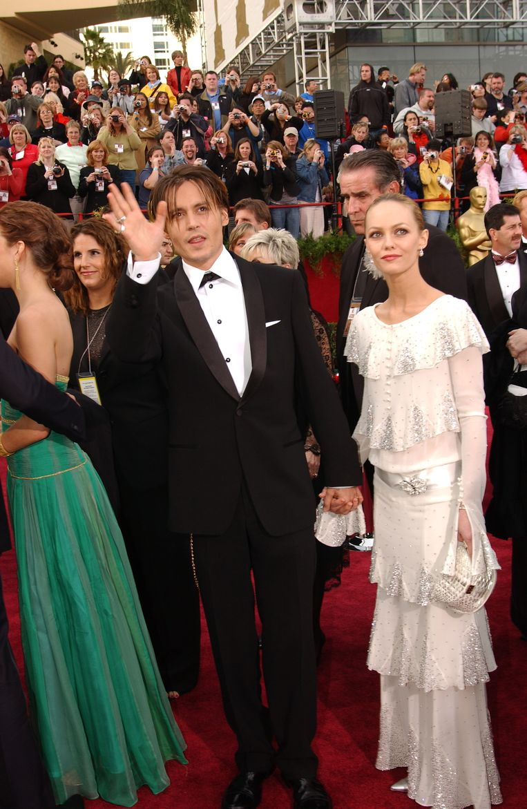 Vanessa Paradis in a vintage Chanel dress (2004) The 15 most memorable dresses from the history of the Oscars