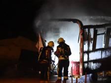 Bouwkeet brandt volledig uit in Gouda