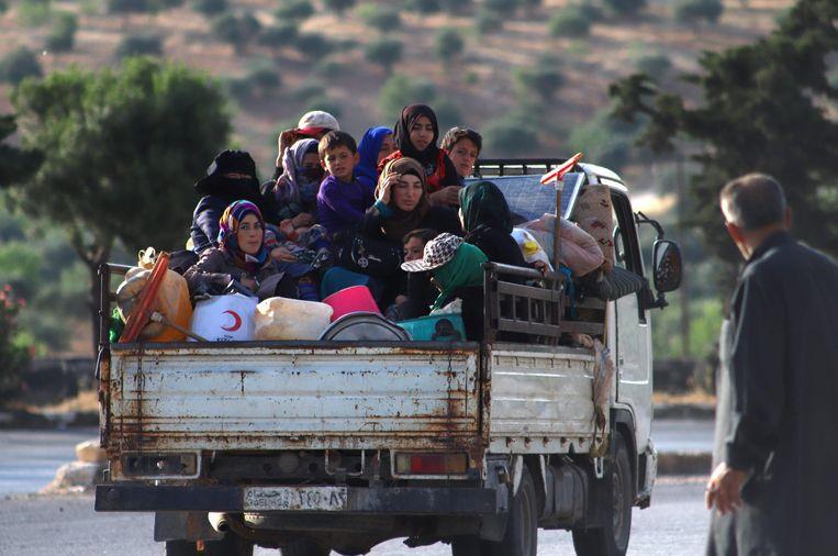 """""""Ze kunnen nergens anders heen dan naar hun vernielde huizen"""", trekt Safe the Children aan de alarmbel."""