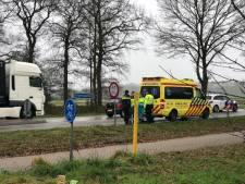 Voetganger in Aalten gewond door aanrijding met vrachtwagen