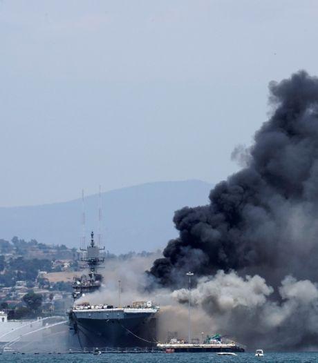 Incendie spectaculaire à bord d'un navire militaire en Californie, au moins 21 blessés