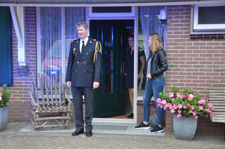 Henk Kleve uit Halle kreeg maandagavond een koninklijke onderscheiding voor zijn jarenlange inzet als brandweerman.