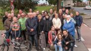 Geparkeerde vrachtwagens maken kruispunt Schapendries-Berchemweg in Leupegem levensgevaarlijk