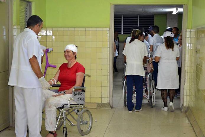 De tientallen gewonden van het ongeluk werden verzorgd in dit ziekenhuis in Guantanamo, waar ook Rick en Mandy verbleven.