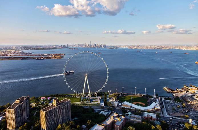 Beeld van het New York Wheel dat op Staten Island moet verrijzen.