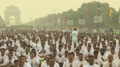 Groepssessie yoga met 50 000 mensen én de premier in India