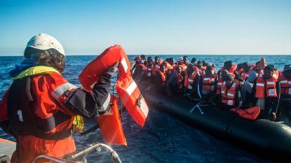 Italië laat reddingsschepen met in totaal 237 migranten aan boord aanleggen