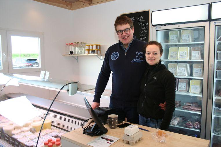 Jan Van Kelecom en Tinneke De Schutter in hun hoevewinkel Ter Overlaar.