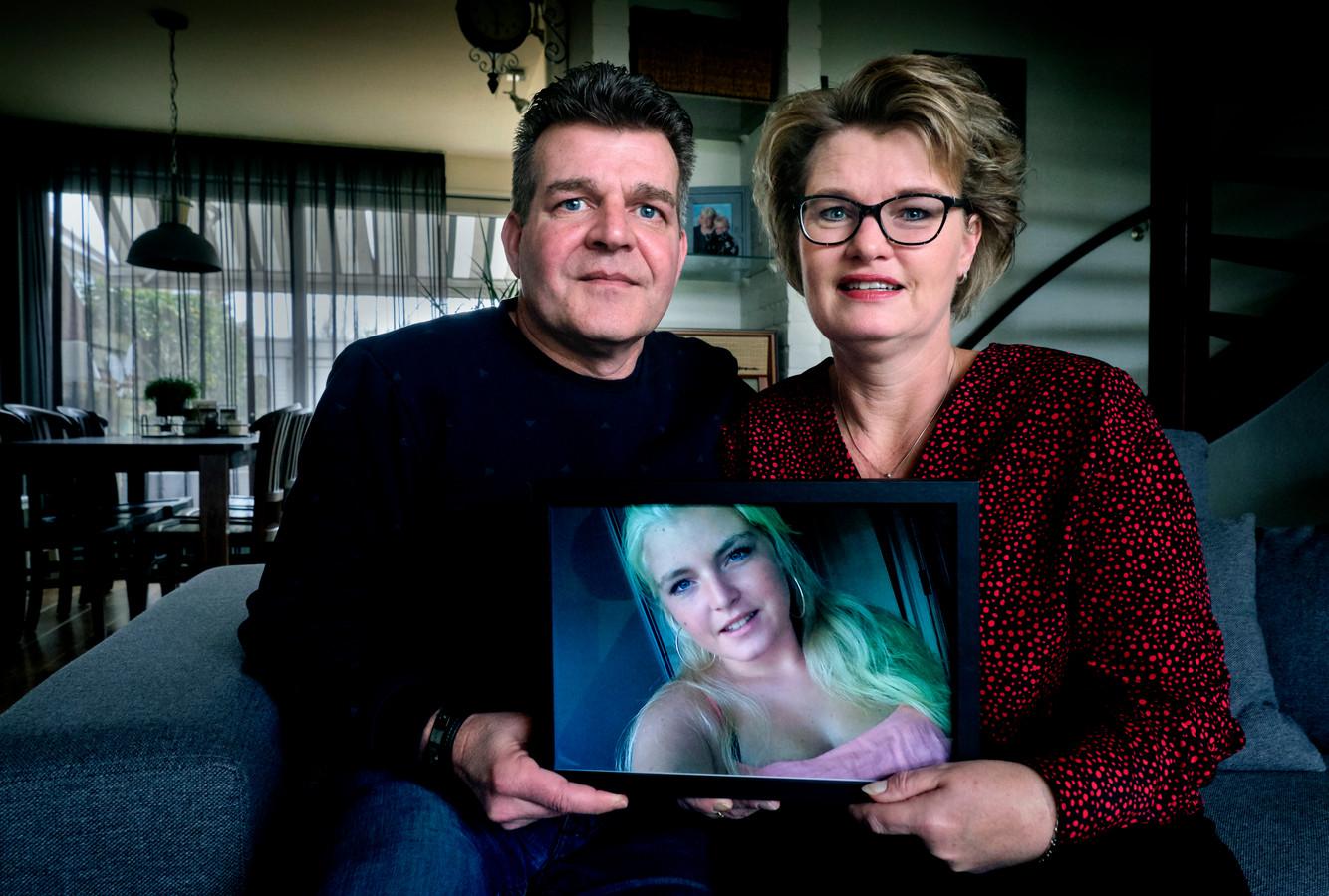 Arjan en Grietje Steigenga missen een stukje van hun hart na het overlijden van hun dochter Rianne.
