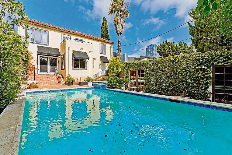 Een mediterraans zwembad mocht niet ontbreken.