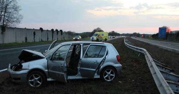 Automobilist raakt gewond bij eenzijdig ongeval op A1 bij Enter.