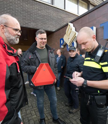 'Overdreven' boete kwijtgescholden na boerenprotest bij politiebureau in Nunspeet