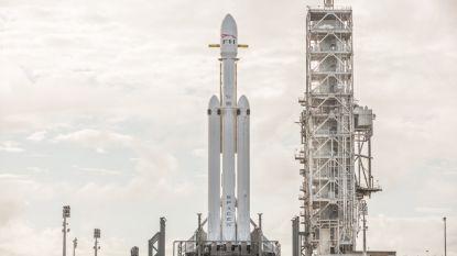 Eindelijk onthult Elon Musk wanneer 's werelds krachtigste draagraket voor het eerst de ruimte ingaat
