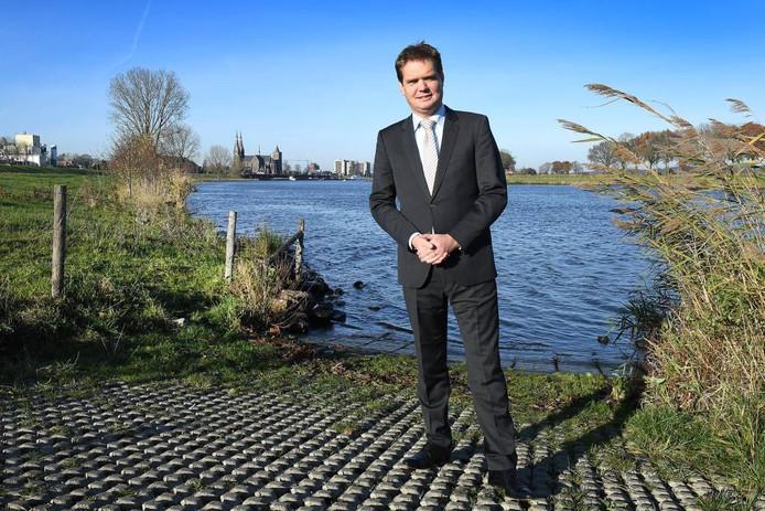 Michiel van Veen bij de Maas in Cuijk.