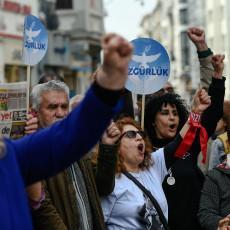 in-turkije-is-regeren-per-decreet-de-nieuwe-norm