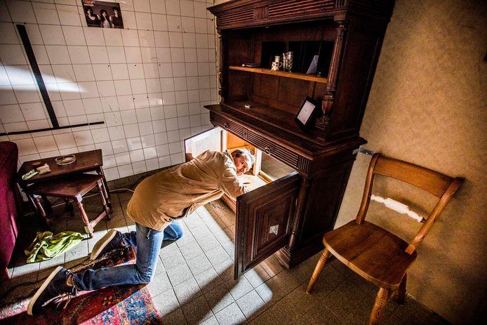 In de oude Zwitsalfabriek is een escaperoom voor de politie gemaakt.