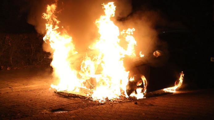 De voorlopig laatste autobrand in Oss