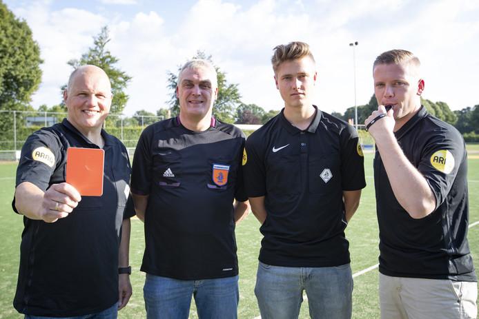 Jan van Otten, Wim Willems, Rachner Kikkert en Maurice Paarhuis maken promotie.