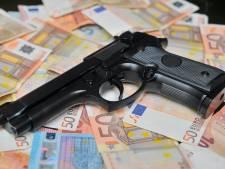 Eindhovenaar stalt wapenarsenaal en geld van geliquideerde Dennis Struijk in huis moeder