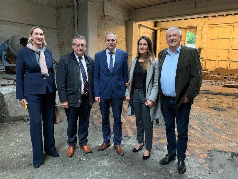 Vlaams minister Matthias Diependaele bezocht de vloer, in het gezelschap van een delegatie van de stad.