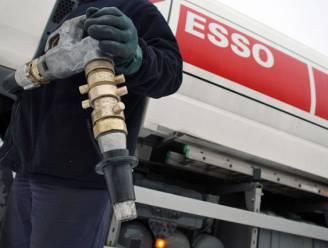"""Olieprijs uitzonderlijk laag: """"Iedereen wil zijn tank laten vullen, zelfs als die nog niet leeg is"""""""