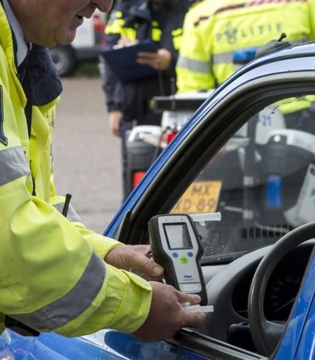 Man raakt rijbewijs kwijt na alcoholcontrole bij Military Boekelo