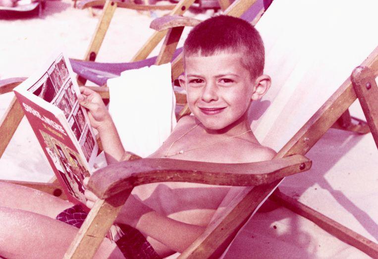 Als jongetje in 1967,  het eerste jaar dat het besef er was 'dat meisje zijn wel leuk is'. Beeld