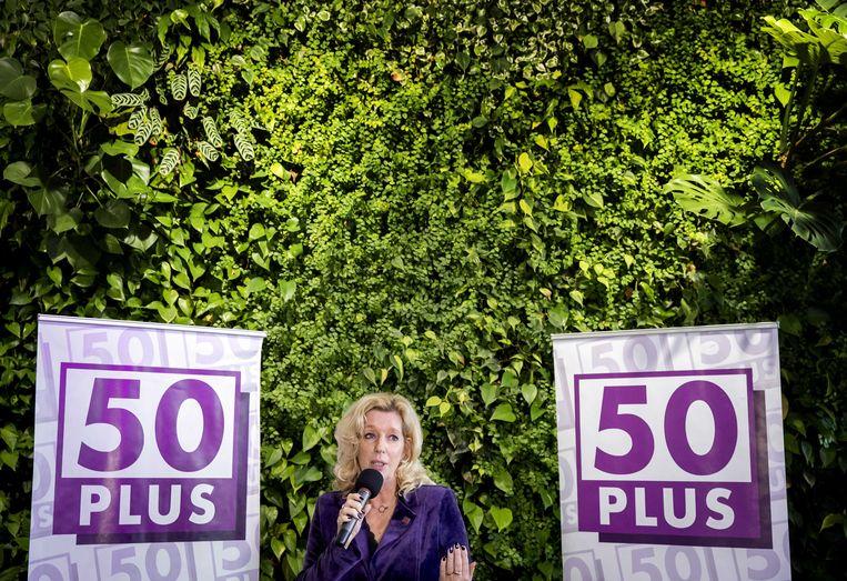 Liane den Haan geeft haar speech als nieuwe leider van 50PLUS. Wegens corona vonden de lijsttrekkersverkiezingen en de bekendmaking van de partij online plaats.  Beeld ANP