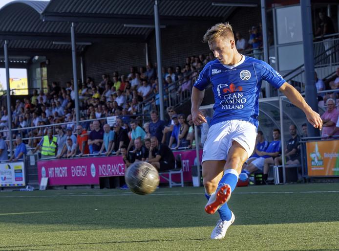 Sven Blummel, hier in actie in de oefenwedstrijd bij OJC Rosmalen  van afgelopen zomer, staat vrijdag nog niet in de basis bij FC Den Bosch.