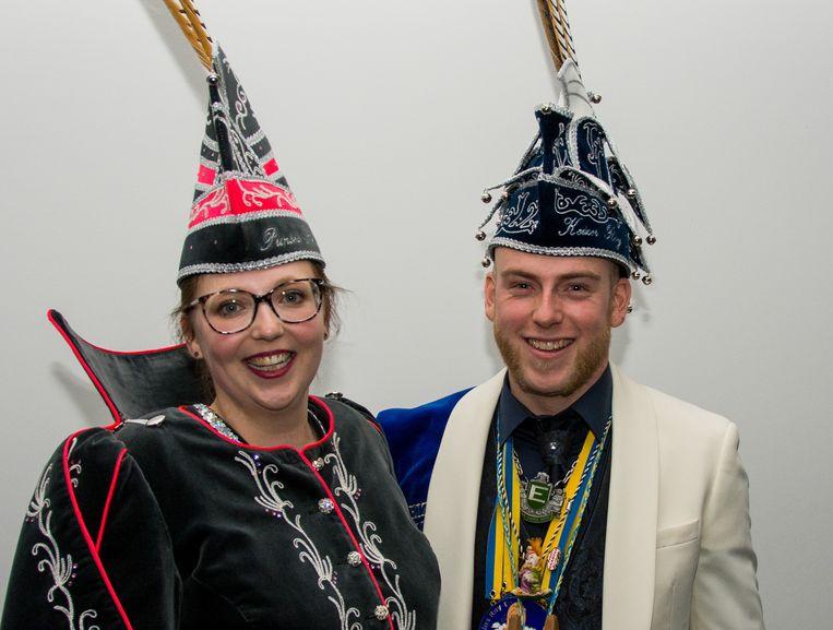 Shauni Scheltens en Roy Meersman: het pas getrouwd koppel neemt de komende maanden als Prinses Shauni I en keizer Roy I het carnavalsgebeuren in Steendorp in handen.
