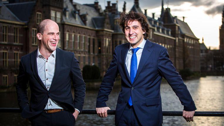 Diederik Samsom en Jesse Klaver, die in november 2015 de Klimaatwet lanceerden, bij de Hofvijver in Den Haag. Beeld null