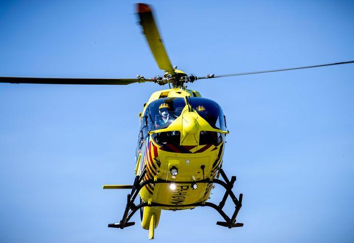 Twee traumahelikopters kwamen ter plaatse (hier op archiefbeeld).
