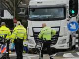 Meisje (13) ernstig gewond na aanrijding met vrachtwagen op Karel Doormanlaan
