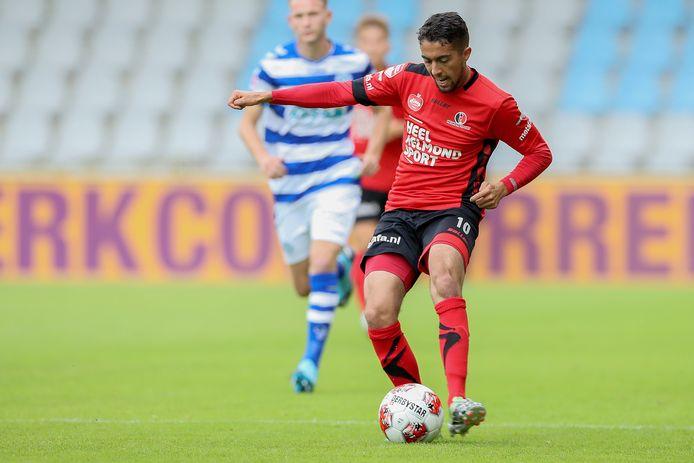 Karim Loukili laat zich in de eerste weken van de voorbereiding aardig gelden bij Helmond Sport.